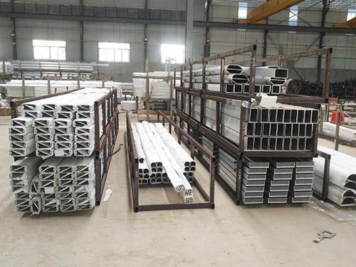 東莞(guan)鋁利達鋁業生產